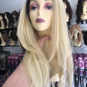 Accessories - Long blonde Wig ombré long blonde lacefront Wig